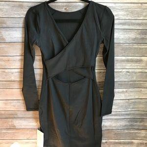 ➕ NWT lululemon contour dress long sleeve black